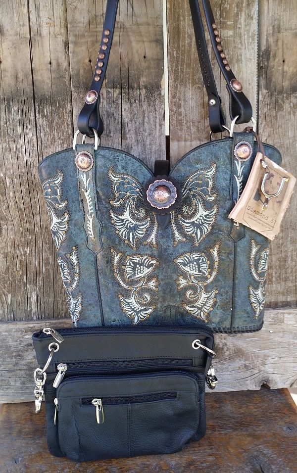 Cowboy boot purse with zippered closure
