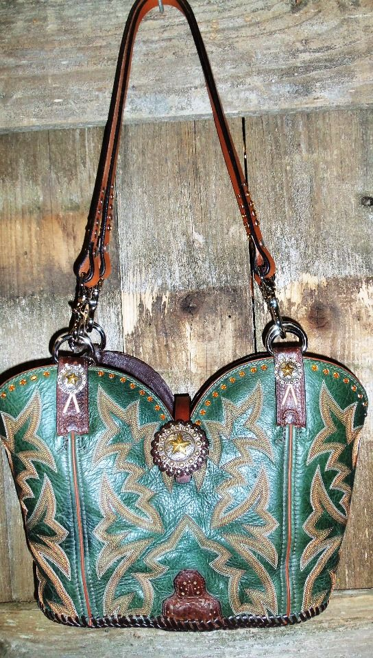 645 11 Green Cowboy Boot Purse With Gold Sching And Crystals