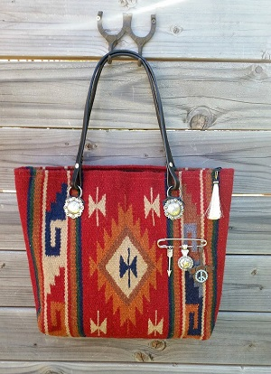 Diamond 57 Cowboy Boot Purse Saddle Blanket Bags Cowhide And Western Jewelry